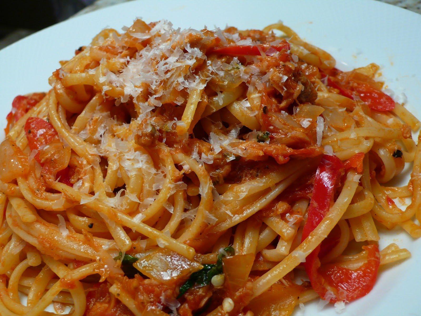 delimilli: Pasta Ros (Spicy Tuna Pasta)